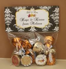 inexpensive wedding favors ideas bridal cheap inexpensive wedding favors ideas hugs kisses brides