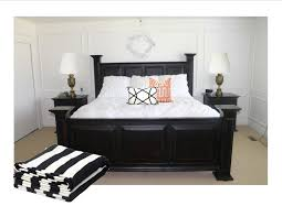 Black And White Modern Bedroom Designs 15 Refined Decorating Ideas In Glittering Black And Gold Black