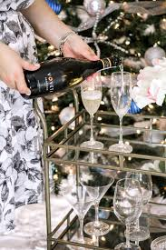 how to throw a holiday cocktail party at with voveti