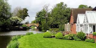the moat house acton trussell travelzoo