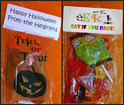 free halloween gift tags easy halloween trick or treat bags with free printable gift tag