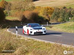 lexus lfa crash lexus lfa ad x 21 october 2012 autogespot