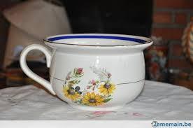pot de chambre de la pot de chambre de mariage avec oeil faience orchies a