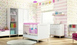 chambre bebe design scandinave lit bébé blanc évolutif en lit enfant style scandinave 140 x 70