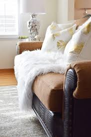 Pillows For Brown Sofa by How To Create An Island Vibe For Spring Crazy Chic Design
