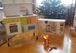 cuisine enfant lidl jvc est fan de la cuisinière de jeu en bois by lidl