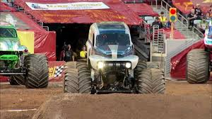 monster truck grave digger video monster jam grave digger the legend vs el toro loco monster