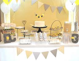 yellow and gray baby shower decorations giraffe 21 1024x788jpg giraffe baby shower decorations 1024x788