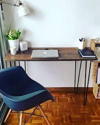 le de bureau sur pied très beau bureau en métal et bois diy avec les pieds ripaton et