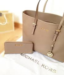 michael kors purses on sale black friday the 25 best michael kors outlet ideas on pinterest mk purses