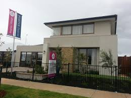 project home forsyth 35 change of facade sinclair to ludstone it looks very modern contemporary funky and different from the usual facade that we see a lot in display homes it doesn t provide for a balcony