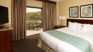 What Hotel Chains Have 2 Bedroom Suites Resort Style Doubletree Suites Raleigh Durham Nc
