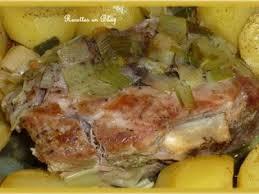 cuisiner palette de porc palette de porc fumée au four en cocotte recette ptitchef