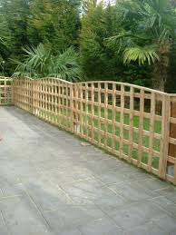 Curved Trellis Fence Panels Fences Sheds And Concrete Posts For St Helens Runcorn Liverpool