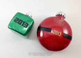 glitter and vinyl minecraft ornament for my made that