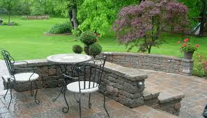 Small Patio Decorating Ideas by How To Make A Beautiful Garden In A Small Space