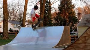 skating the backyard mini ramp extreme splits youtube