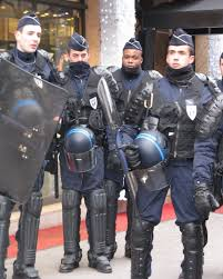 french riot police uniforms pinterest riot police
