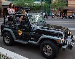zombie jeep internet451 phoenix comicon 2012 zombie walk