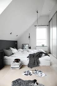 chambre gris noir et blanc chambre mur gris meuble noir solutions pour la décoration