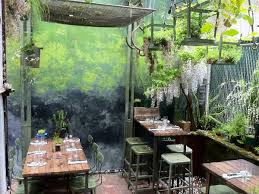 Best Backyards Secret Nyc Restaurant Gardens The Best Backyard Lairs