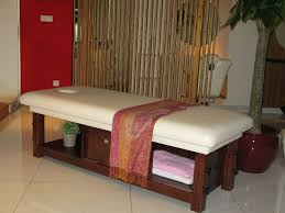 solid wood massage bed spa massage bed from china guangzhou
