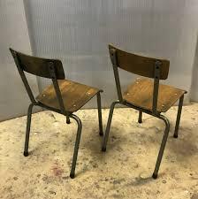 chaise tolix ancienne chaise d ecole enfant meubles industriel colore industriale