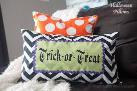 craftaholics anonymous diy trick or treat halloween pillow