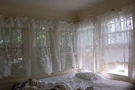 bed curtain decorate the house with beautiful curtains