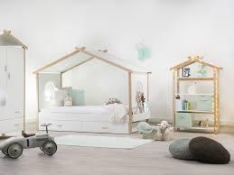chambre cabane enfant où trouver un lit cabane lit cabane lits et chambre enfant