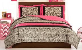 cheetah bedrooms cheetah bedroom cheetah bedding queen cheetah print bedroom decor