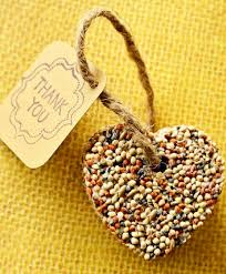 birdseed wedding favor hearts easy and inexpensive diy favors