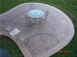 Brushed Concrete Patio Stone Patios Stamped Concrete Mimics Stone Pavers The