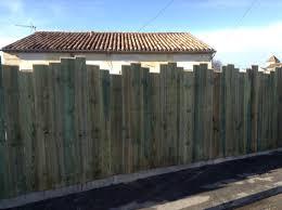 cloture jardin bois les 25 meilleures idées de la catégorie palissades bois sur