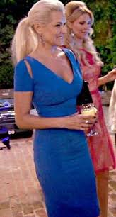 who dors yolanda fosters clothing yolanda foster s blue cutout dress at kyle s party big blonde hair