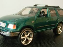 Ford Explorer Green - ford diecast ford expedition diecast xlt diecast toy 1 32