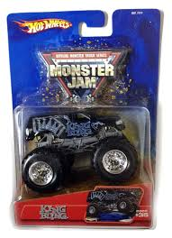 monster jam 1 24 scale trucks monster jam crusader 1 64 scale with team flag monster jam