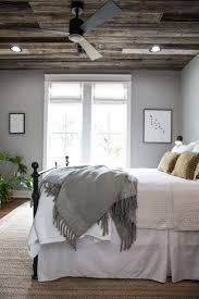 Hgtv Ideas For Small Bedrooms by Bedroom Designer Tricks For Living Large In Small Bedroom Hgtv