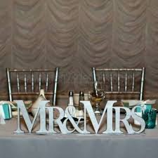 mr and mrs sign for wedding wooden cheers sign