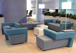 sofa ecken wohlfühlideen für sterile bürokomplexe im grünen leben faktoren