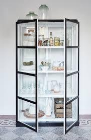 vitrine pour cuisine adoptez la vitrine pour ranger avec style storage ideas modern