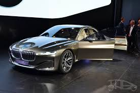 future bmw bmw vision future luxury concept front three quarters at auto