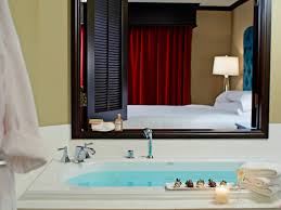 the hottest us jacuzzi hotel rooms room5