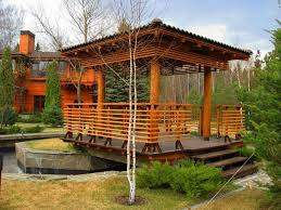 22 beautiful wooden garden designs to personalize backyard landscaping