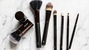 the well rounded gal makeup your brush kit should contain these