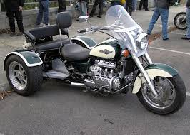 what are the advantages to two wheels at the front instead of