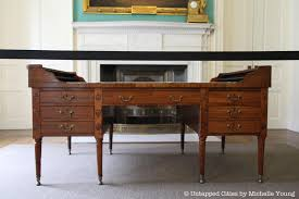 Indie Desk The Desk Of George Washington Inside Nyc City Hall U0027s Governor Room