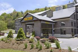 Cottages In Boone Nc by Super 8 Boone Nc 10 Photos U0026 10 Reviews Hotels 2419 Highway