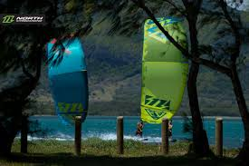 evo 2015 north kiteboarding wallpaper north evo 2015 duo cruising between