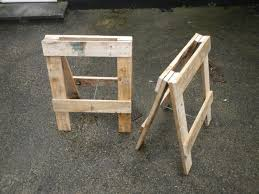 trestle from pallets 5 steps with pictures